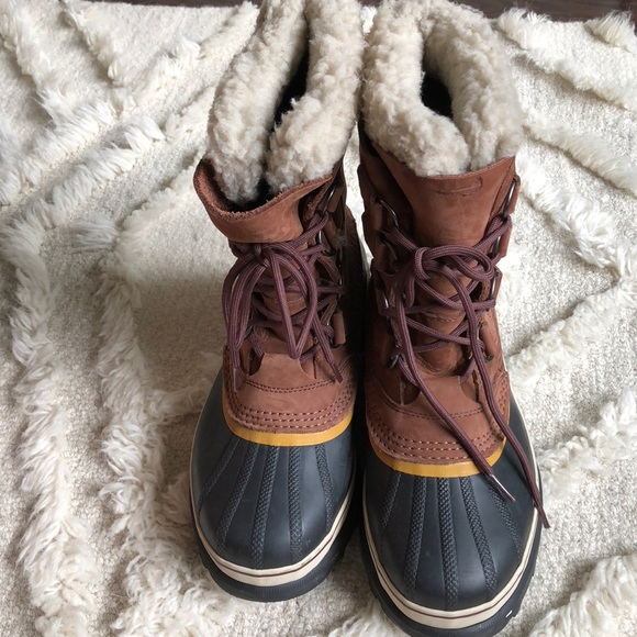 NEW condition Sorel Caribou winter boots